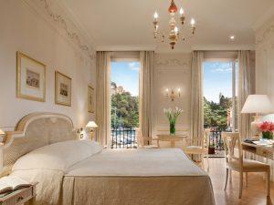 24-bedroom3-belmondhotelsplendido-portofinoitaly-crhotel