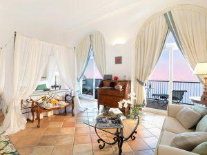 30-room3-caesaraugustus-italy-crhotel