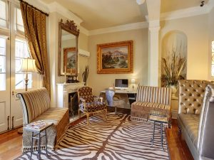 38-lobby-hotelmaisondeville-neworleans-crhotel