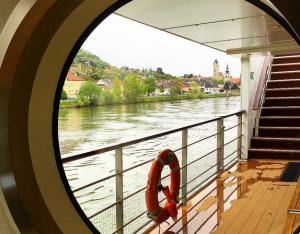 cruises-deck