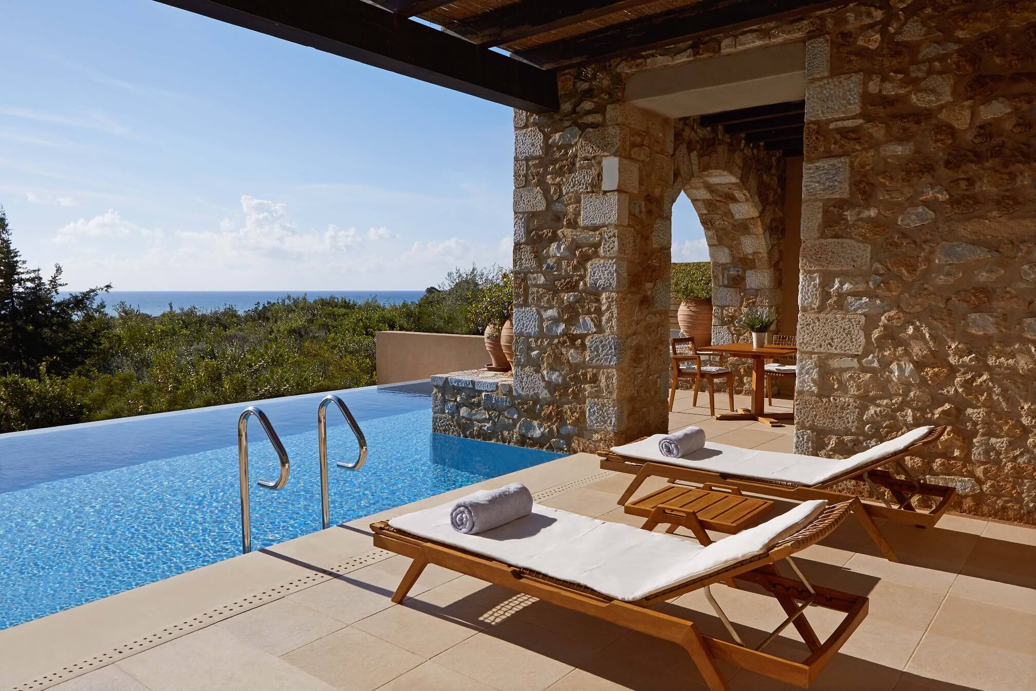 Costa navarino for Design hotels griechenland