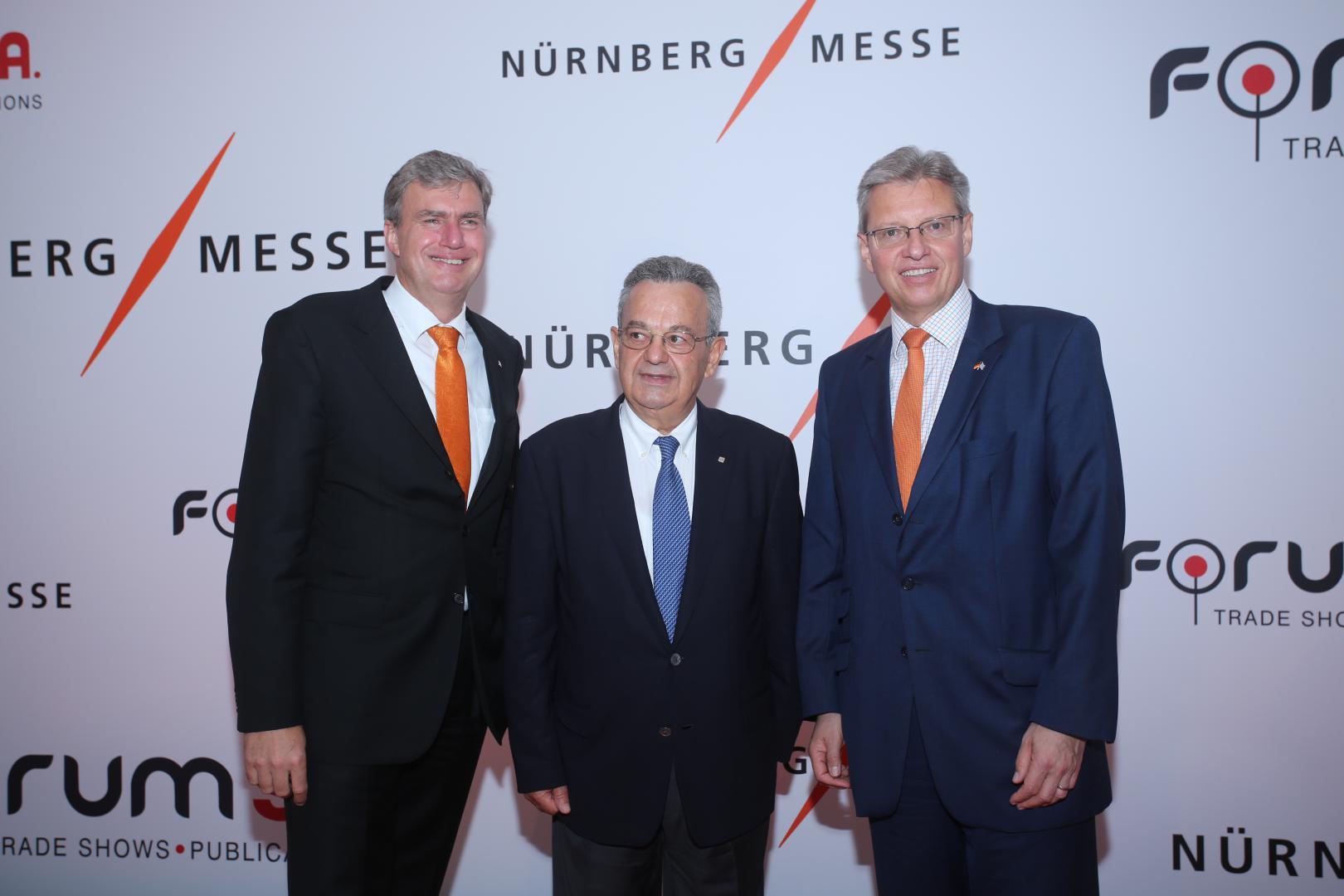 Από αριστερά: Peter Ottmann, CEO NürnbergMesse Group, Nίκος Χουδαλάκης, CEO FORUM SA, Dr. Roland Fleck, CEO NürnbergMesse Group