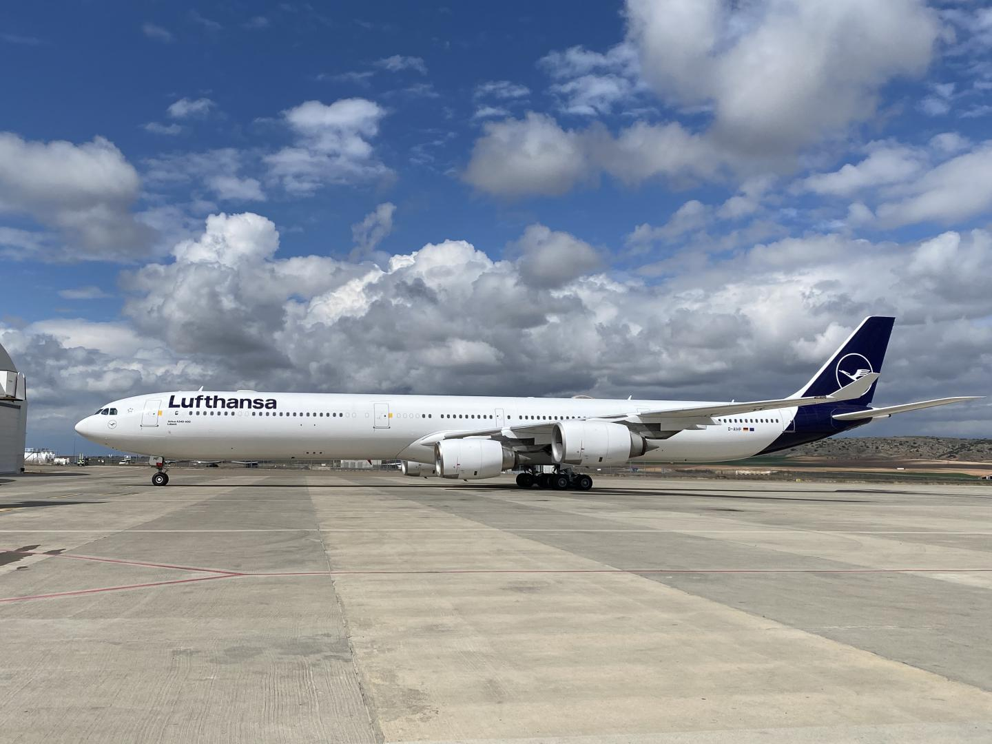 Lufthansa Airbus Official