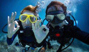 scuba-divers-couple